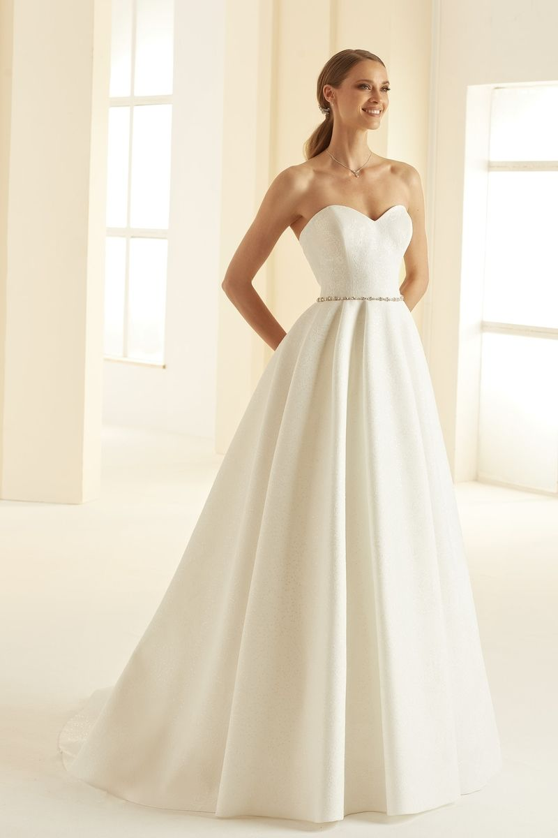Bianco Evento bridal dress Isolde 1