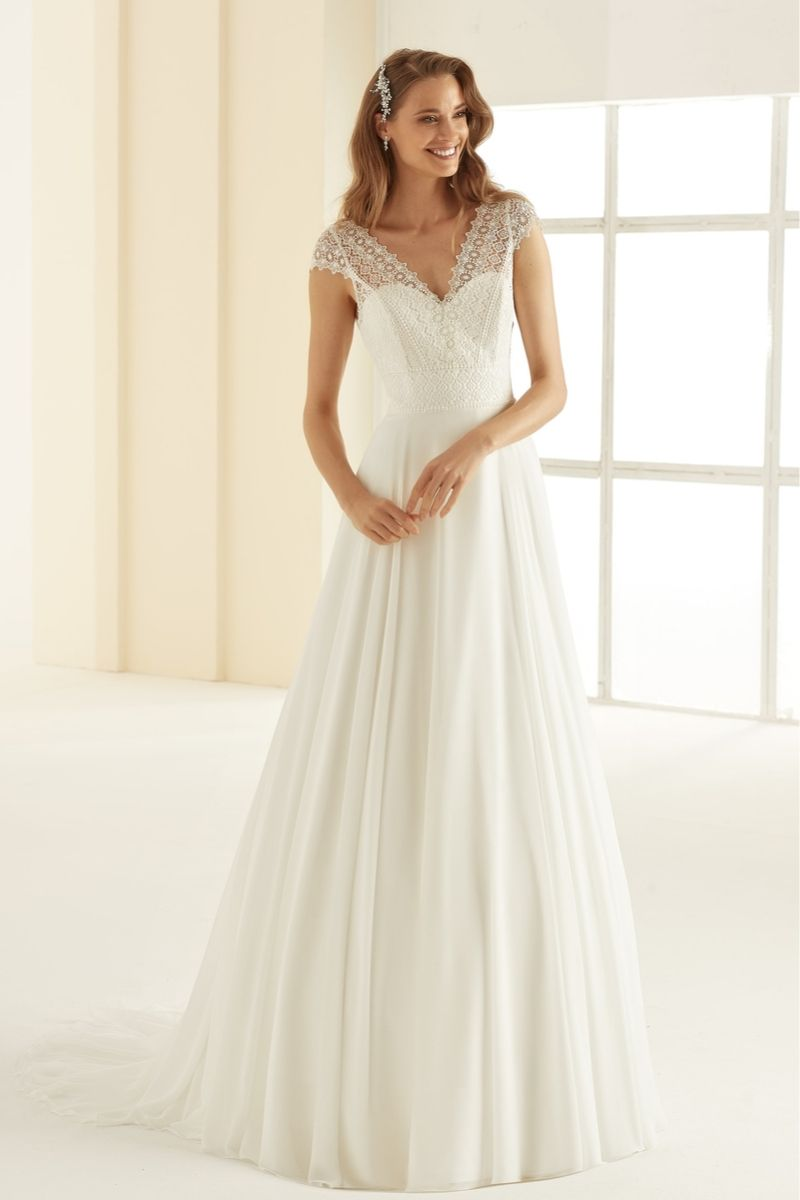 Bianco Evento bridal dress Margaret 1
